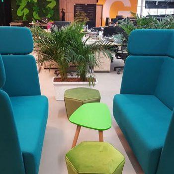 Amenajare interioară cu soluții acustice - mobilier si corpuri de iluminat
