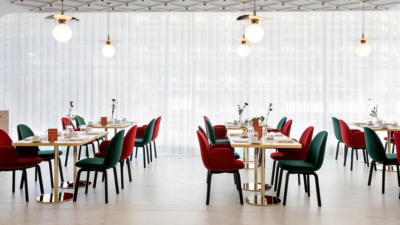 scaune - branduri si designeri de top